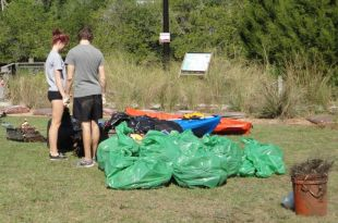 Cleanup0321 017 (Small).JPG